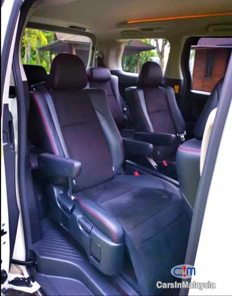 Toyota Vellfire 2.4-LITER GOLDEN EYES 7 SEATER LUXURY FAMILY MPV Automatic 2016 - image 11