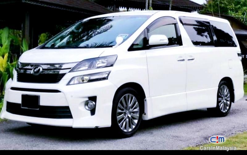 Toyota Vellfire 2.4-LITER GOLDEN EYES 7 SEATER LUXURY FAMILY MPV Automatic 2016 - image 13