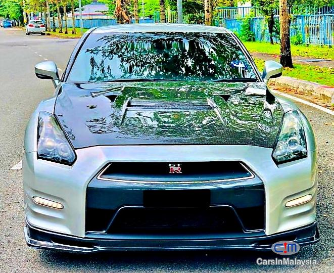 Pictures of Nissan GTR 3.8-LITER SUPER SPORT CAR Automatic 2013
