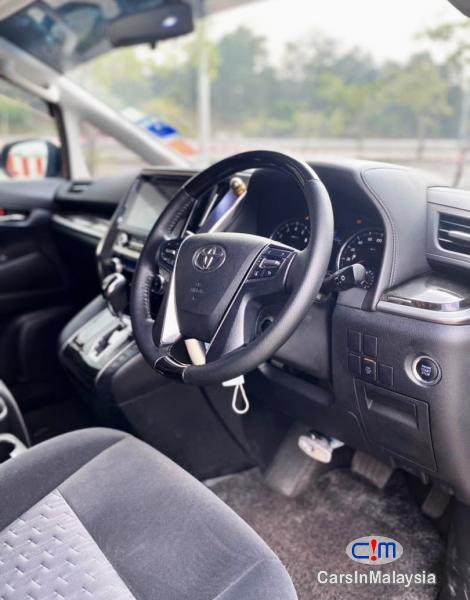 Toyota Vellfire 2.5-LITER AUTO LUXURY FAMILY MPV 7 SEATERS Automatic 2016 in Malaysia - image