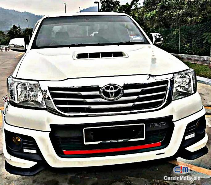 Picture of Toyota Hilux Automatic 2013