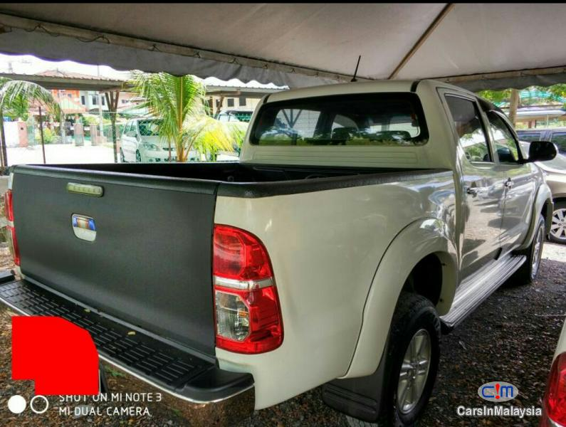 Toyota Hilux Automatic 2013
