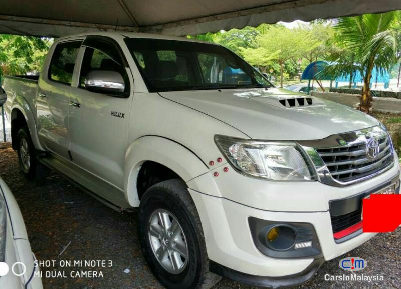 Toyota Hilux Automatic 2013 in Selangor - image