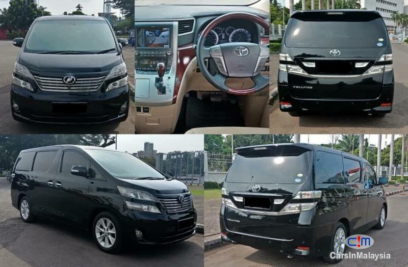 Pictures of Toyota Vellfire Automatic 2011