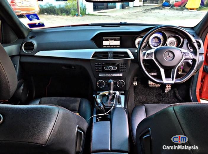 Mercedes Benz C180 CGI 1.6-LITER LUXURY SEDAN Automatic 2013 - image 9
