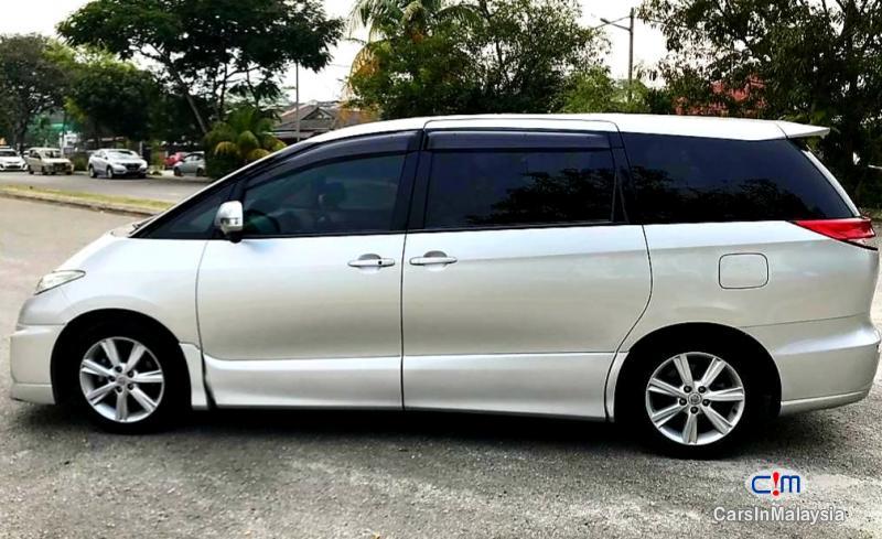 Toyota Estima 2.4-LITER LUXURY FAMILY MPV 7 SEATER Automatic 2012