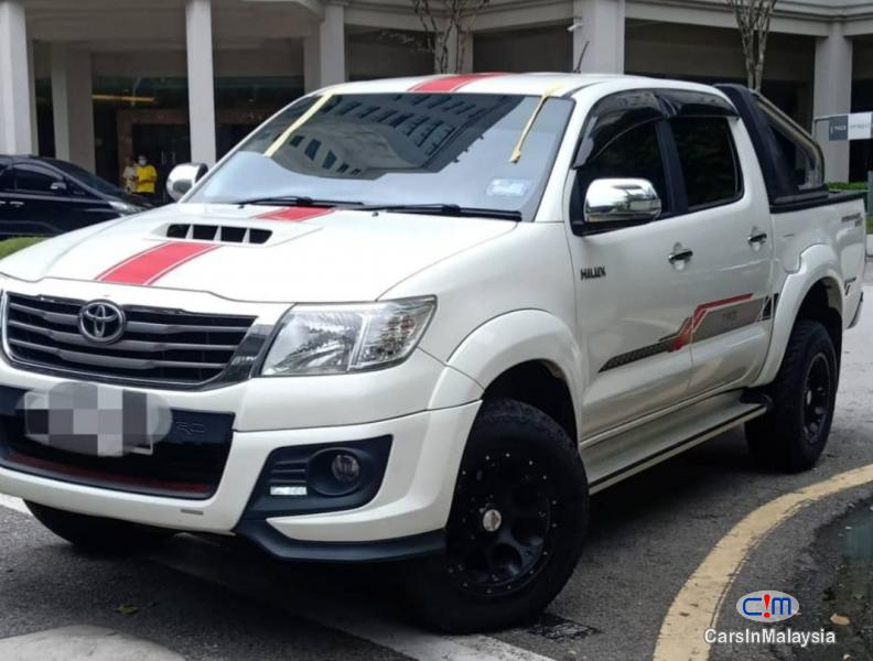 Picture of Toyota Hilux 2.5-LITER 4X4 DOUBLE CAB TURBO DIESEL Automatic 2015