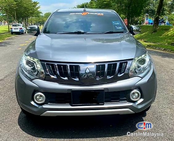 Picture of Mitsubishi Triton 2.5-LITER DOUBLE CAB CHASSIS 4X4 DIESEL TURBO Automatic 2017