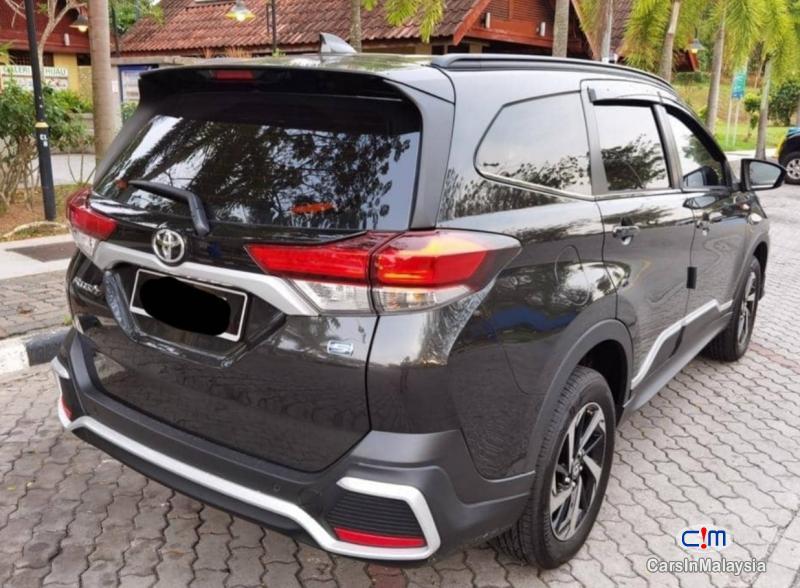 Toyota Rush 1.5-LITER FUEL ECONOMY FAMILY SUV Automatic 2021
