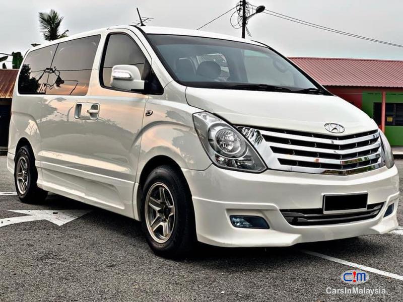 Picture of Hyundai Grand Starex 2.5-LITER 11 SEATER FAMILY MPV Automatic 2013