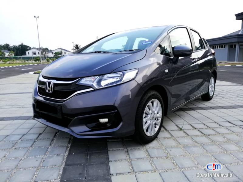 Pictures of Honda Jazz Automatic 2019