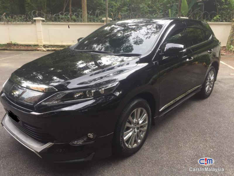 Pictures of Toyota Harrier Automatic 2015