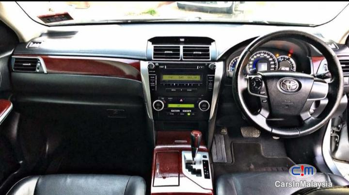 Toyota Camry 2 Automatic 2013 - image 10