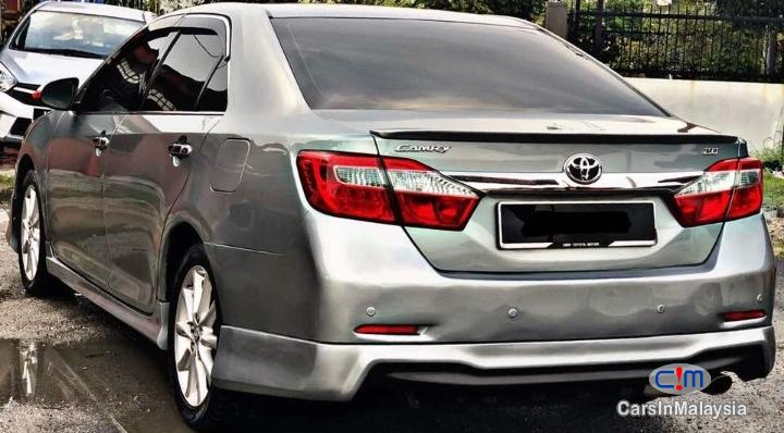 Toyota Camry 2 Automatic 2013 in Selangor - image