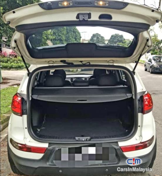 Kia Sportage 2.0-LITER BEAUTIFUL SPORTY SUV Automatic 2014 - image 9