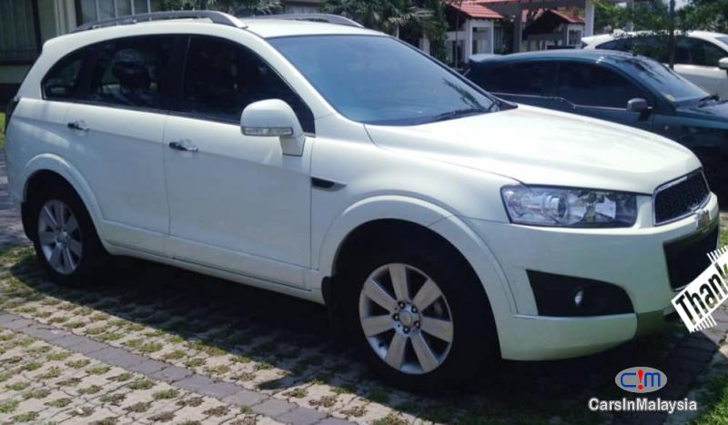 Picture of Chevrolet Captiva 2.4-LITER LUXURY FAMILY SUV Automatic 2011