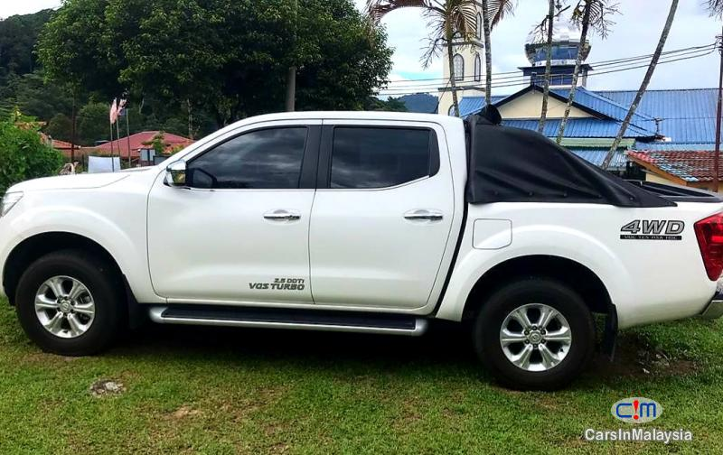 Pictures of Nissan Navara 2.5-LITER 4X4 4WD CAB CHASSIS DIESEL TURBO Automatic 2019
