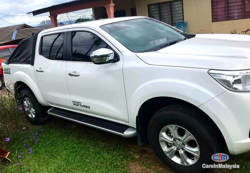 Nissan Navara 2.5-LITER 4X4 4WD CAB CHASSIS DIESEL TURBO Automatic 2019