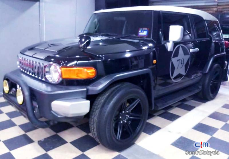 Pictures of Toyota FJ Cruiser 4.0-LITER SPORTY SUV Automatic 2015
