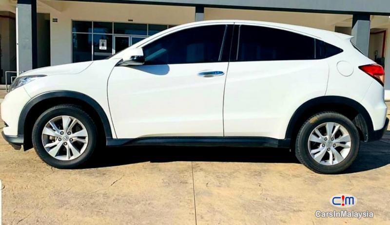 Honda HR-V 1.8-LITER ECONOMY SUV Automatic 2015 - image 9