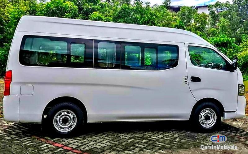 Nissan NV350 Urvan 2.5-LITER DIESEL FAMILY BUSINESS PASSENGER Manual 2018 - image 13