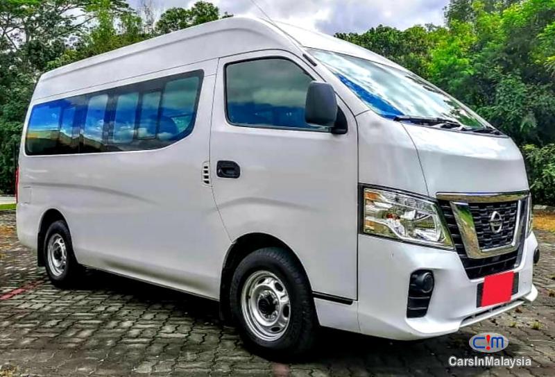 Nissan NV350 Urvan 2.5-LITER DIESEL FAMILY BUSINESS PASSENGER Manual 2018 - image 5