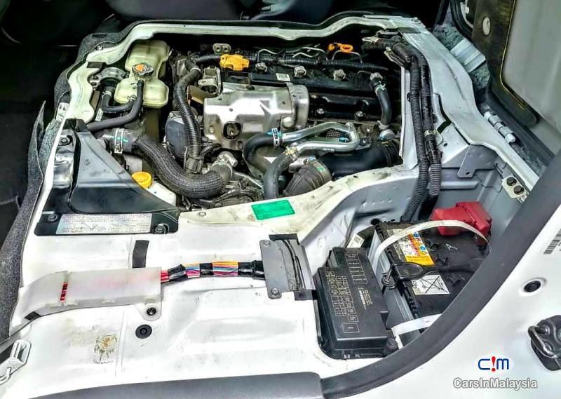 Nissan NV350 Urvan 2.5-LITER DIESEL FAMILY BUSINESS PASSENGER Manual 2018 in Selangor - image