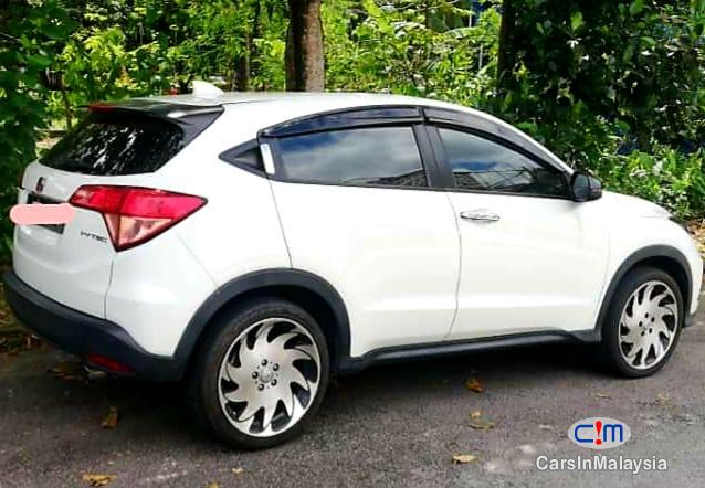 Honda HR-V 1.8-LITER ECONOMY SUV Automatic 2015 in Kuala Lumpur