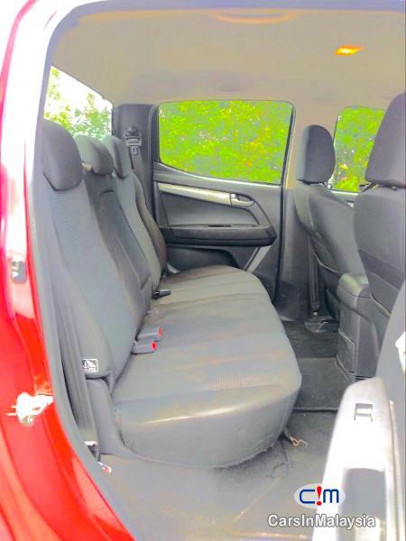 Isuzu D-Max 2.5-LITER 4X4 DOUBLE CAB DIESEL INTERCOOLER TURBO Automatic 2015 in Selangor - image