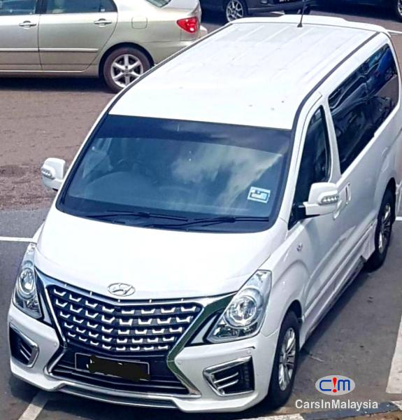 Picture of Hyundai Starex 2.5-LITER 11 SEATER FAMILY MPV Automatic 2017