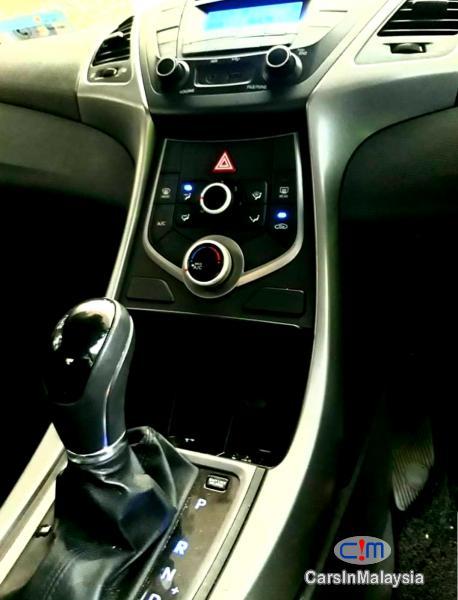 Hyundai Elantra 1.6-LITER ECONOMY SEDAN Automatic 2015 - image 9