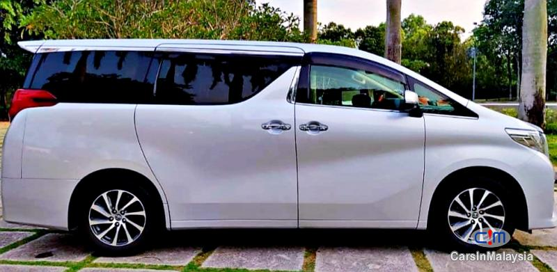 Toyota Alphard 2.5-LITER 7 SEATER LUXURY FAMILY MPV Automatic 2019 in Malaysia