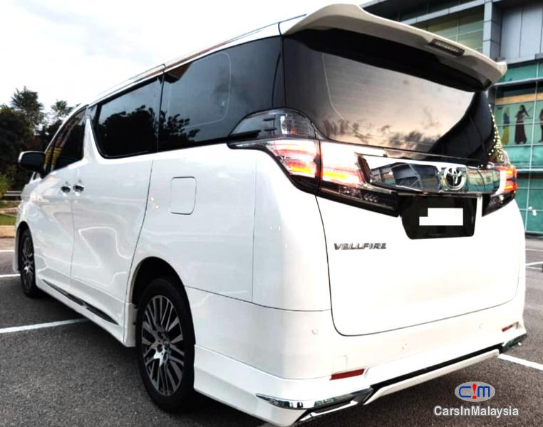 Picture of Toyota Vellfire 2.5-LITER LUXURY PILOT SEAT FAMILY MPV Automatic 2017