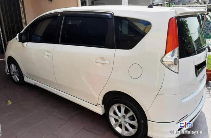 Perodua Aruz 1.5-LITER FUEL ECONOMY FAMILY MPV Automatic 2013 in Selangor