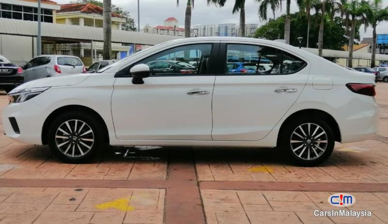 Honda City 1.5-LITER NEW CAR ECONOMY SEDAN Automatic 2021 - image 11