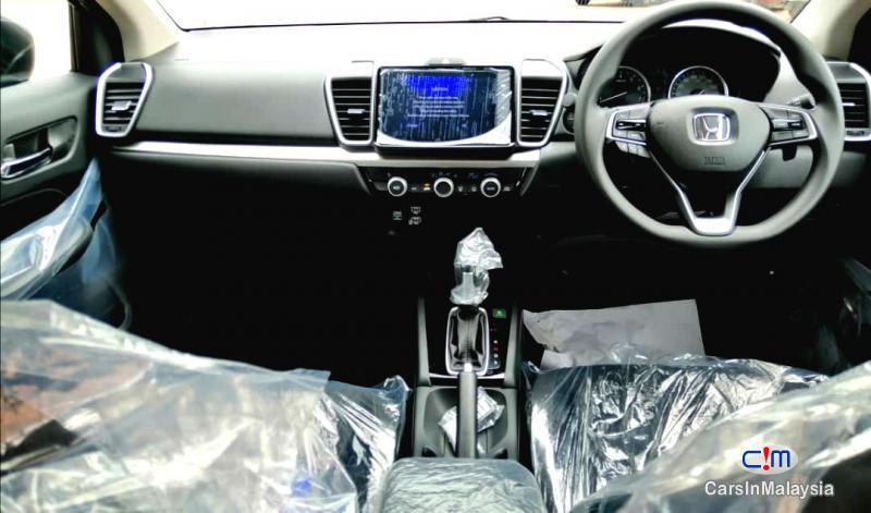 Honda City 1.5-LITER NEW CAR ECONOMY SEDAN Automatic 2021 - image 9
