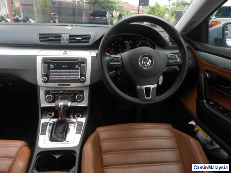 Volkswagen Passat Automatic 2010 in Kuala Lumpur