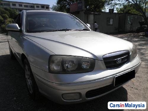 Pictures of Hyundai Elantra Automatic 2002