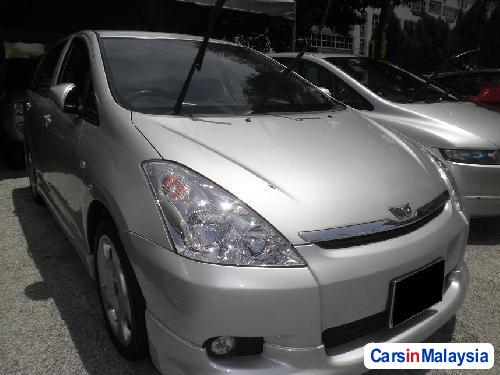 Picture of Toyota Wish Automatic 2005
