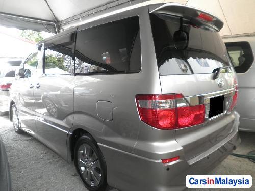 Toyota Alphard Automatic 2010