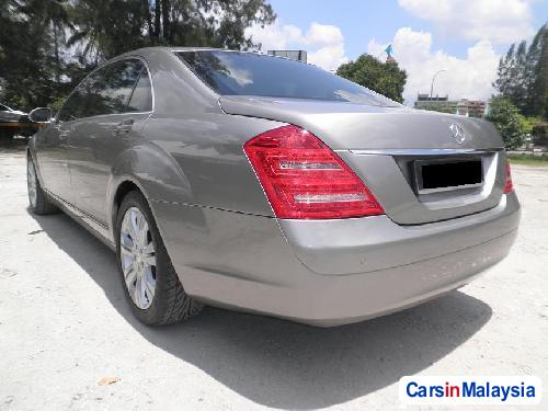 Mercedes Benz S300 Automatic 2008 - image 2