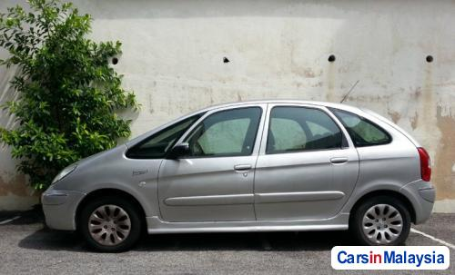 Pictures of Citroen Xsara Picasso Automatic 2004