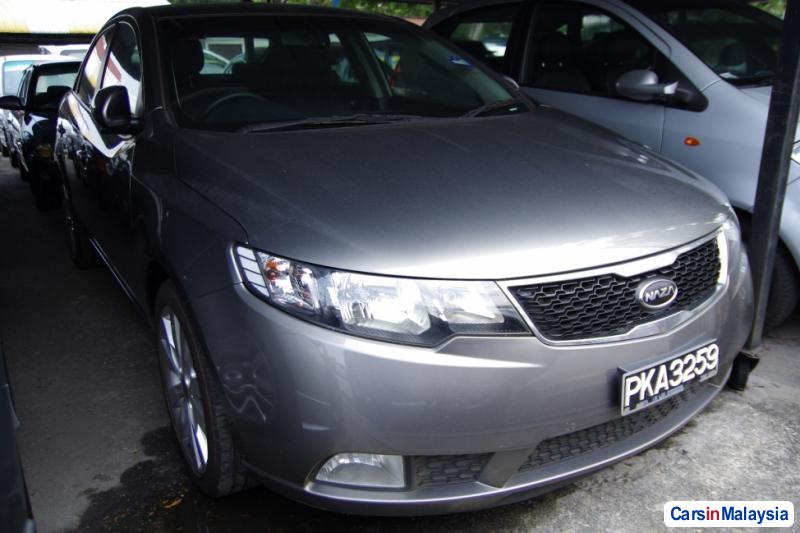 Pictures of Kia Forte Automatic 2011