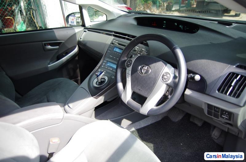 Picture of Toyota Prius Automatic 2010