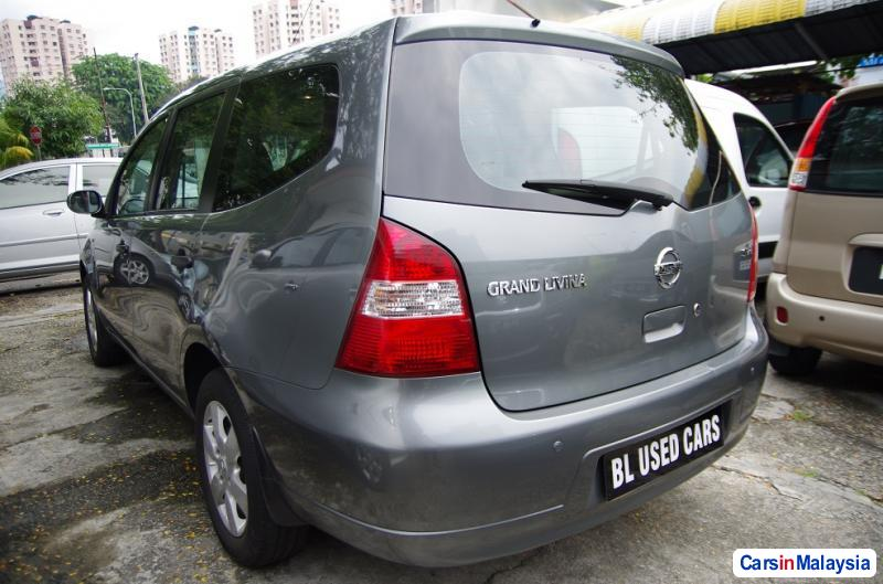 Picture of Nissan Grand Livina Manual 2010