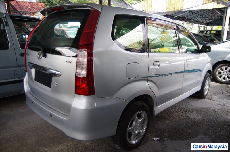 Picture of Toyota Avanza Manual 2005