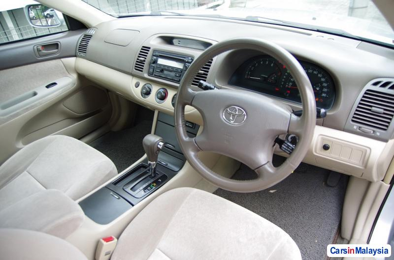 Pictures of Toyota Camry Automatic 2004