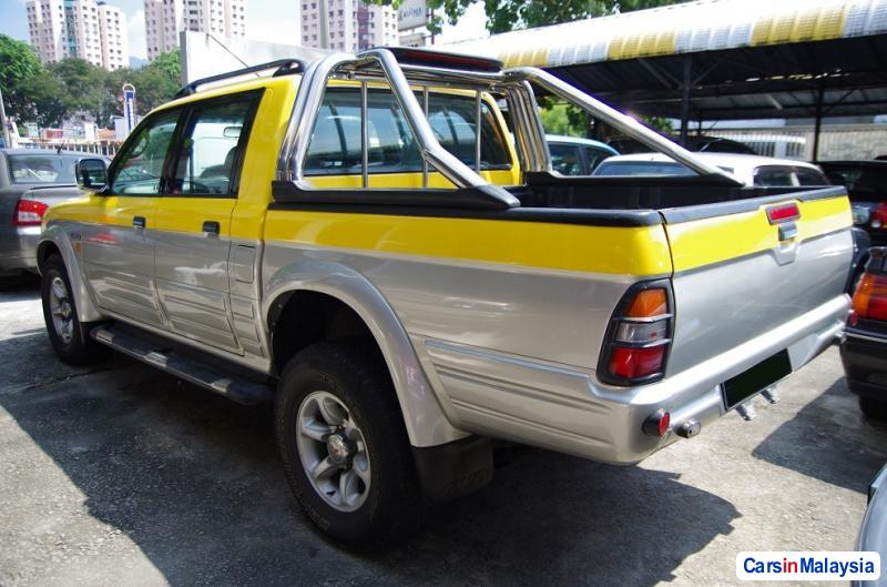Picture of Mitsubishi Storm Automatic 2003