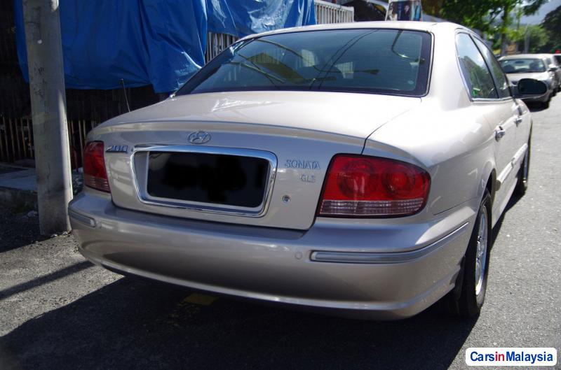 Pictures of Hyundai Sonata Automatic 2002