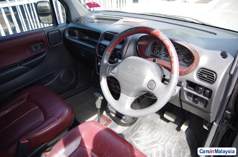 Pictures of Perodua Kenari Automatic 2001